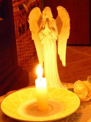 Novena degli Angeli per portare Prosperità nella n Angelo_e_candela_71_1.jpg (Art. corrente, Pag. 1, Foto normale)