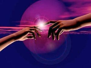 Testimonianze sui Trattamenti di Energia Riconnet MANI_LUCE_UNITE_222_1.jpg (Art. corrente, Pag. 1, Foto normale)